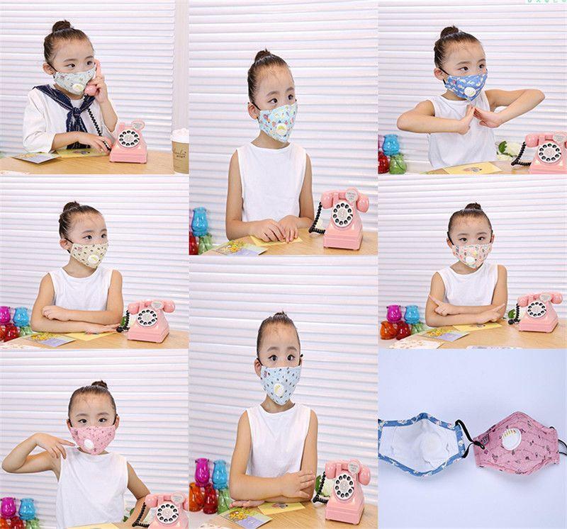 Desenhos animados impressa miúdos máscara anti-fog PM2.5 pano de algodão máscaras cobrir a boca gancho de rosto prova de pó para crianças DA539