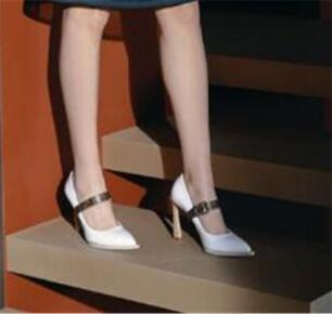 19With scatola Moda scarpe da donna di marca tacchi gladiatori signore pompe nero nudo pelle rossa la punta del piede pompe di promenade di nozze Abito scarpe