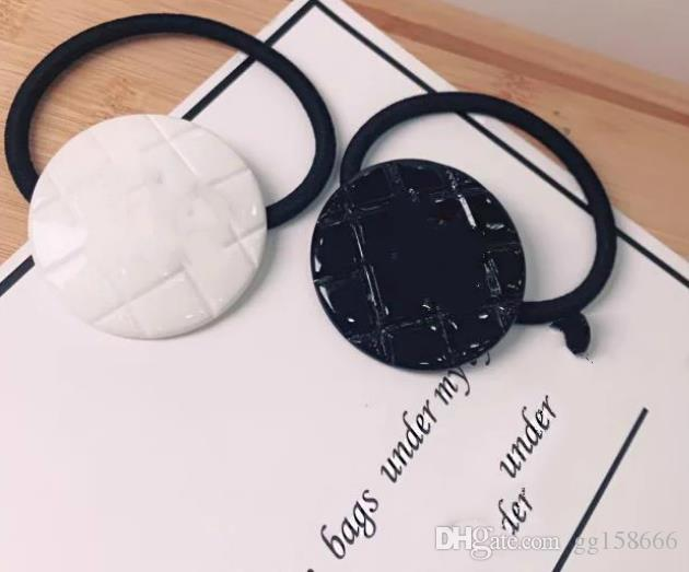 Gran venta ! Nuevo 20194PCS Diamond lattic Hair Tie con C matel mark Accesorios de lujo artículo de la cuerda de acrílico del pelo redondo o cuadrado Bueno