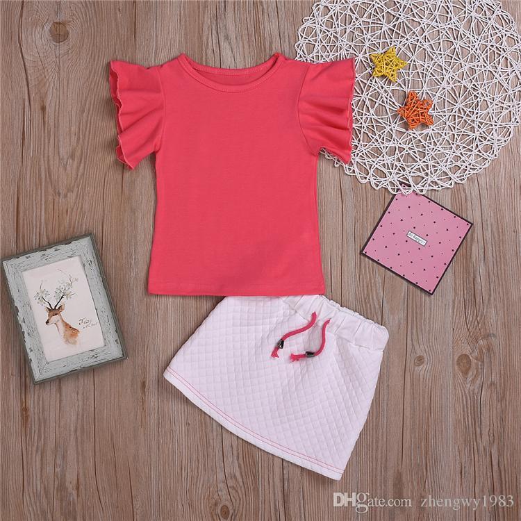 Летние милые девушки Детская одежда Набор девушка Летающий рукавом Красная футболка Tops + проверяемые юбка 2 шт наборы дети дизайнер одежды девочки JY558