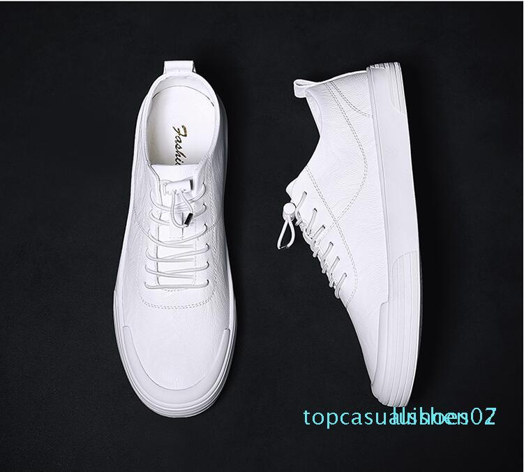 Versione scarpe da uomo europee della stazione 2019 nuove piccole scarpe bianche maschio coreana dei scarpe casual selvaggio T07 piatta laccio di cuoio