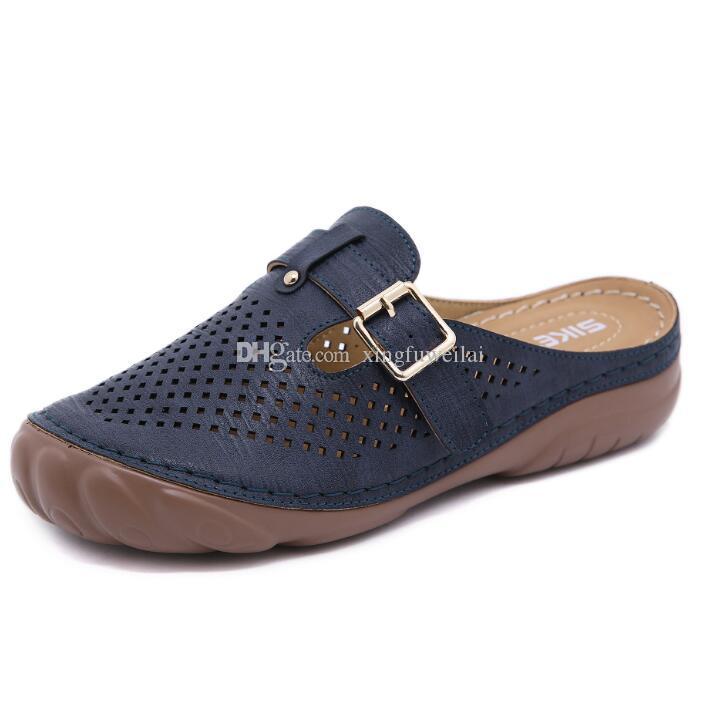 2020 New Slippers Metallknopf-Mode-Frauen-Schuhe für Frauen-Flip-Flop-Sommer-Schuhe Weiblich Anti-Rutsch-Chaussures Femme Sandalen guter Qualität