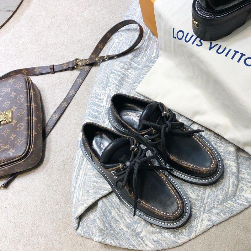 L31 Yeni Lüks Tasarımcı Kadın Kızlar Günlük Ayakkabılar Zapatos Premium Deri Düz Spor Koşu Ayakkabı boyutu 35-41 DHL Ücretsiz Kargo casuales