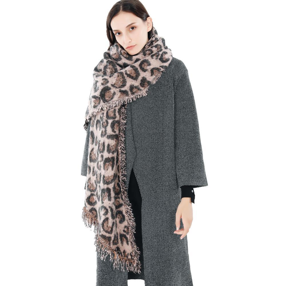2018 جديد الموضة الكشمير مثل وشاح المرأة ليوبارد طباعة سميكة بطانية شال يلف أنثى الشتاء الدافئ الأوشحة الاكريليك مع شطبة