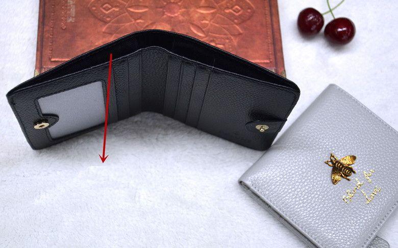 New abelha couro genuíno de alta qualidade mulheres curto designer de carteiras senhora moda casual de zero bolsas clutchs moda feminina preto / cinza