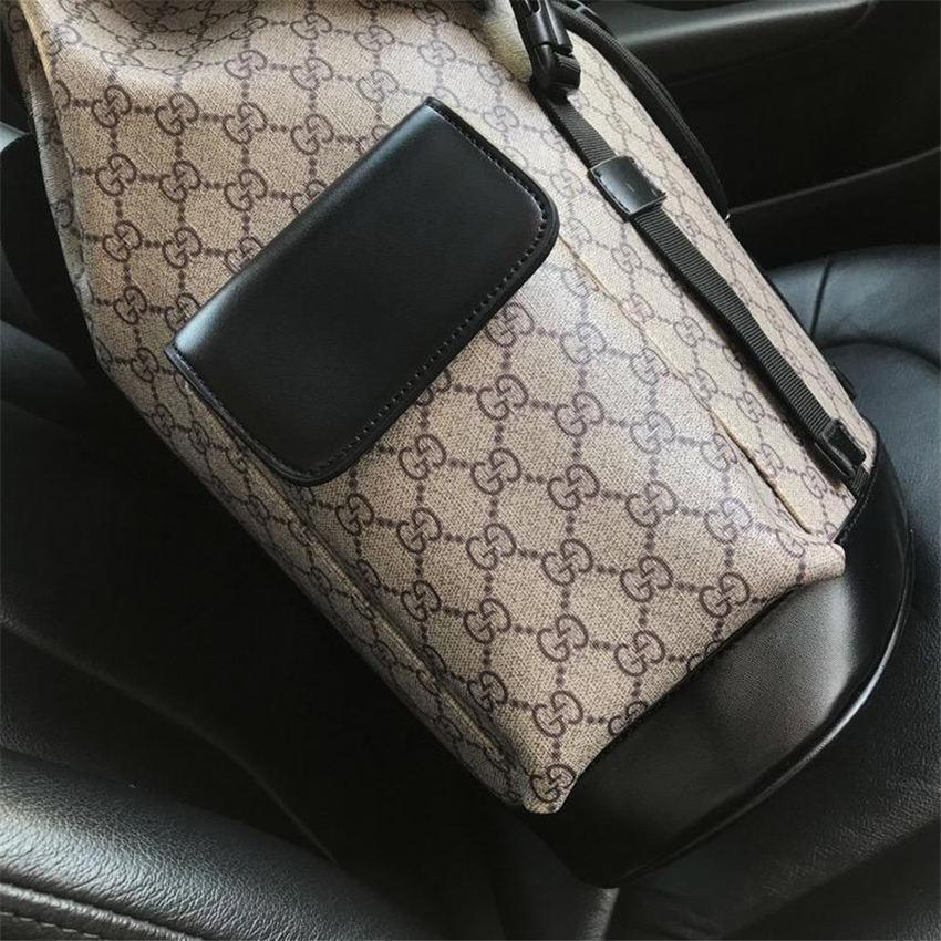 2020 DA Atacado Luxo Designer Backpack Men Designer Grande Capacidade Bolsa de Ombro Moda Designer Outdoor Travel Bag mensagem Bag B104901W