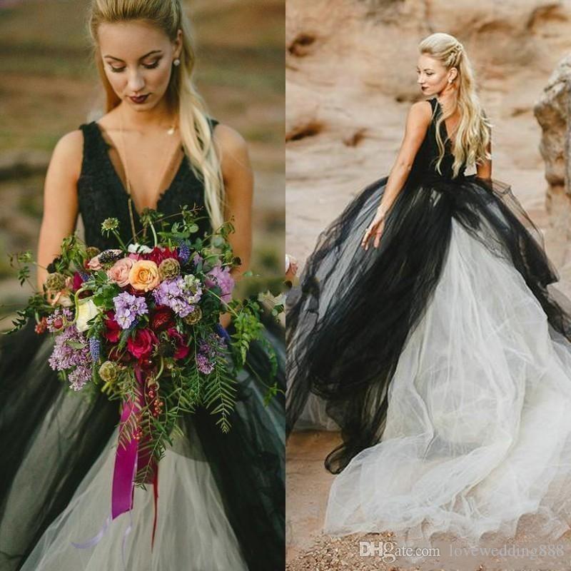 2019 Negro y marfil Tulle A Line Vestidos de novia sin espalda sexy País V Cuello Apliques de encaje Vestidos de novia de novia largos Verano