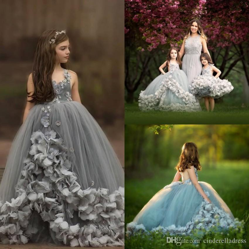 Ruffles Ball Gown Girls Pageant Dresses Formal Arabic Dubai Style Hand Made Flowers Princess Backless Flower Girls Party Prom Gowns BC0430