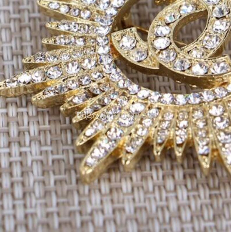 Strass Luxus Trend Mode neue zarte Brief Brosche Damen Kleidung Pin Geschenk Accessoires Großhandel