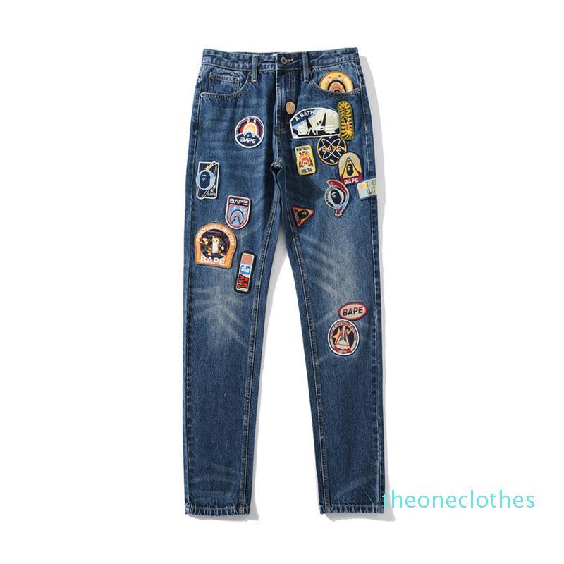 Lässige neue Art und Weise der Männer Beunruhigt Zipper Jeans Designer Herren Abzeichen Gestickte Hosen Herren-Designer Hip Hop-Denim-Hosen