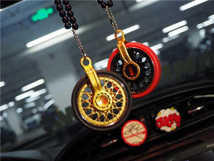 Car Wheels Hanging Finger Tip Gyro Car Interior Ornaments Decoration Rear View Mirror Accessories For Ornament