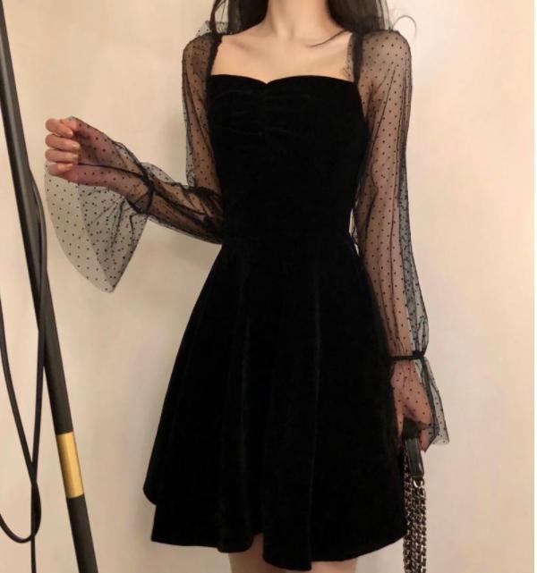 Tempérament élégant de femmes Gaze manches A- ligne robe noire col carré à manches longues robe pour les femmes Robes d'été