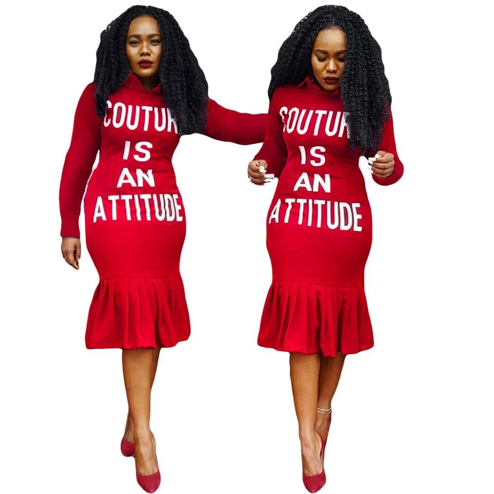 Brief gedruckt lässigen T-Shirt-Kleid-Frauen drehen unten Kragen-volle Hülsen-Knie-Längen-Kleid Herbst Rüschen Spliced Red Vestido A8071 T200526