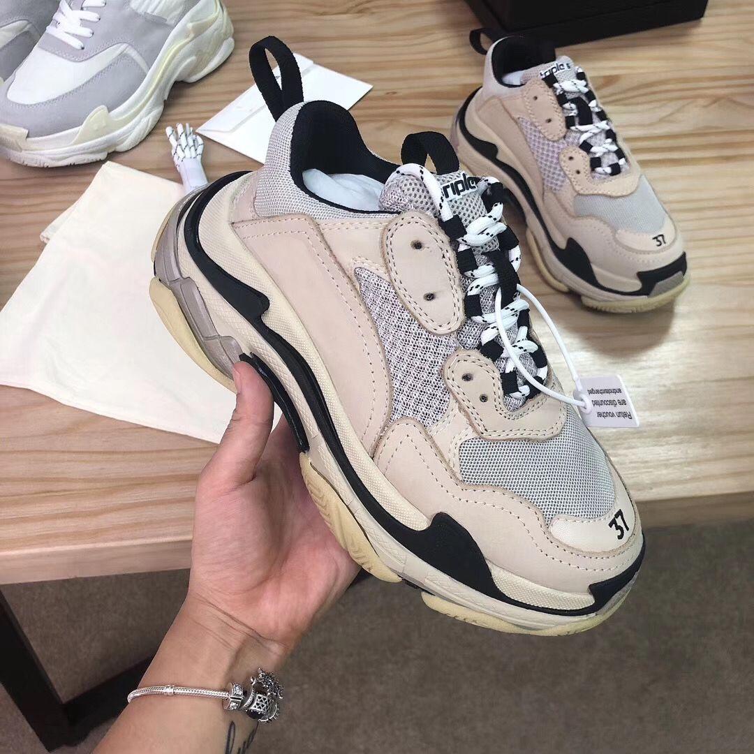 Triple S sapatilha sapatos da moda calçados casuais Triple S Trainers Caixa Incluiu Women Vendidos ao ar livre à venda