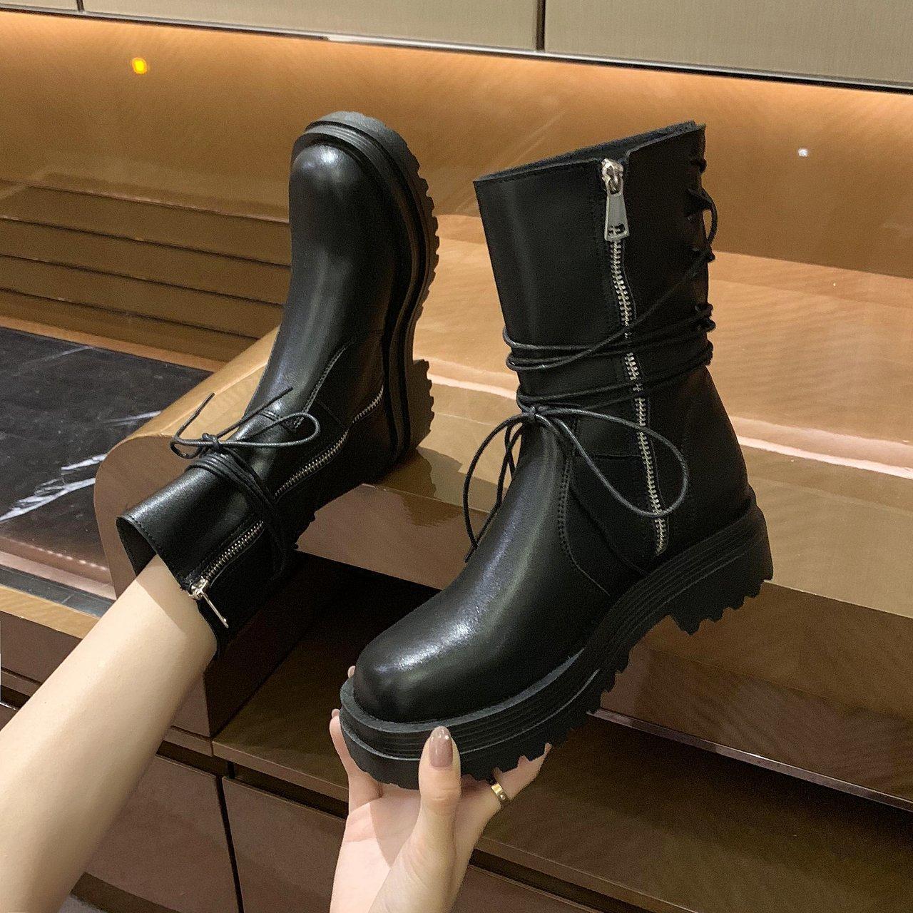 Cargadores de las mujeres 2020 otoño e invierno Nueva Plataforma Martin botas retro plana motocicleta botas de estilo británico con cordones para mujer Short Tide