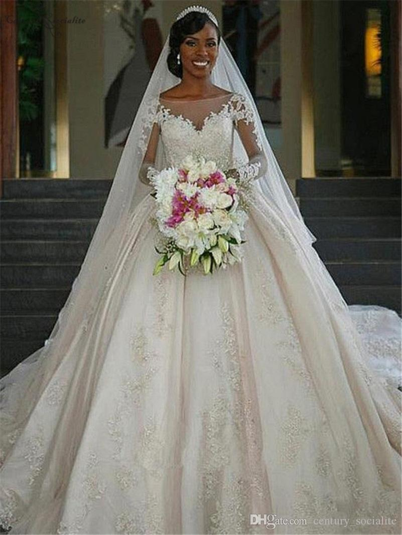 Vestidos de novia de lujo Mangas largas Apliques de encaje Corte Traneo Botón Back Princess Vestidos de novia Vestido de novia Robe de Mariee