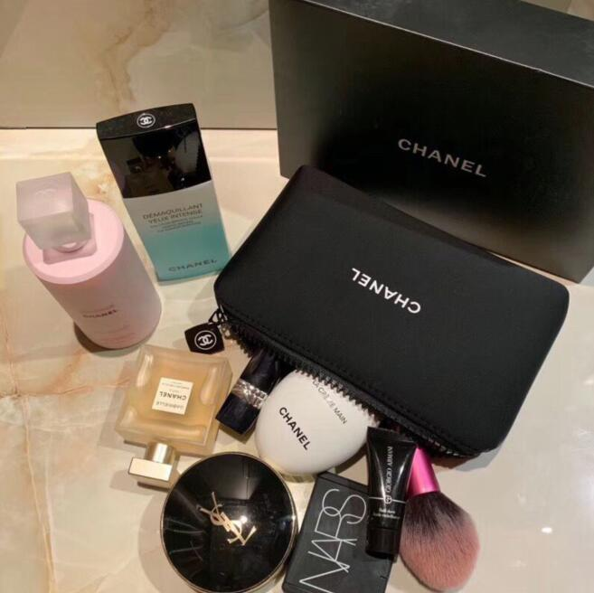 أزياء المرأة العلامة التجارية حقيبة مستحضرات التجميل المحمولة تخزين مستحضرات التجميل حقيبة فاخرة المصممين الإناث صفر محفظة الأسود زيبر المحفظة مع مربع هدية