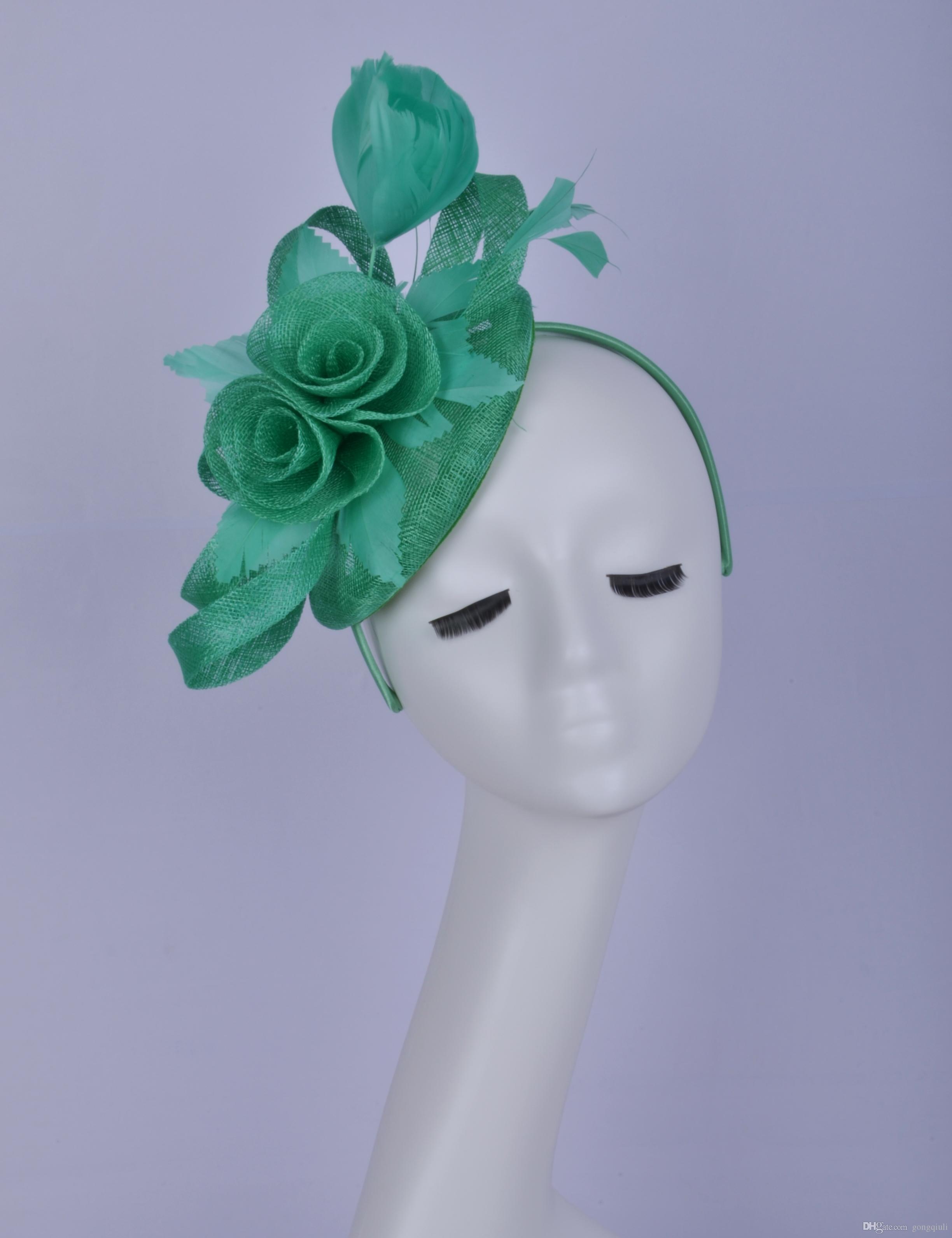 2019 Cappello da donna verde sinamay fascinator Cappello da donna abito da cerimonia per doccia da sposa madre della sposa con fiore di piume