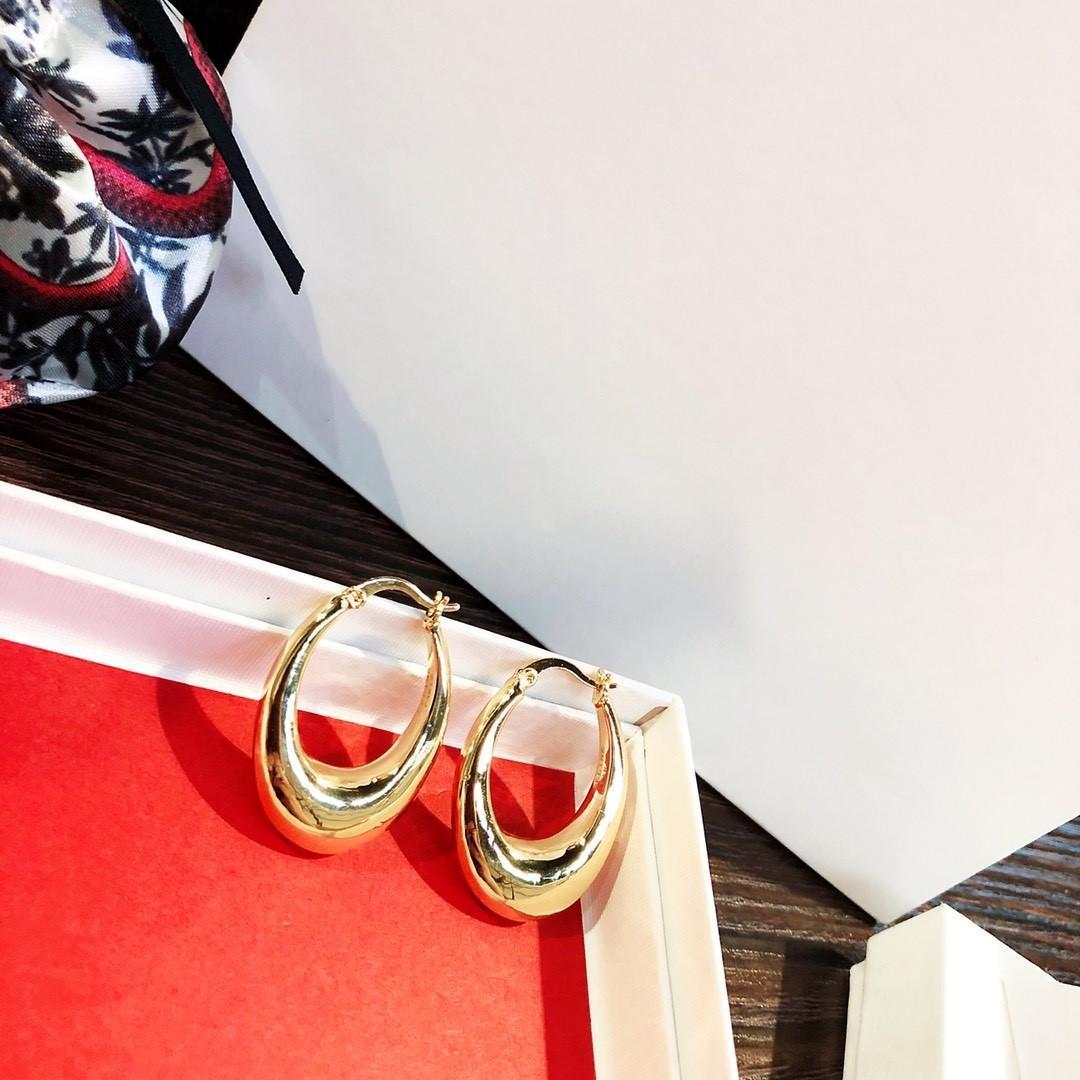 popular de venta galvanoplastia gruesas de oro salvaje atmósfera simple de la moda de las mujeres pendientes de joyería de diseñador de diseño de lujo pendientes en forma de huevo