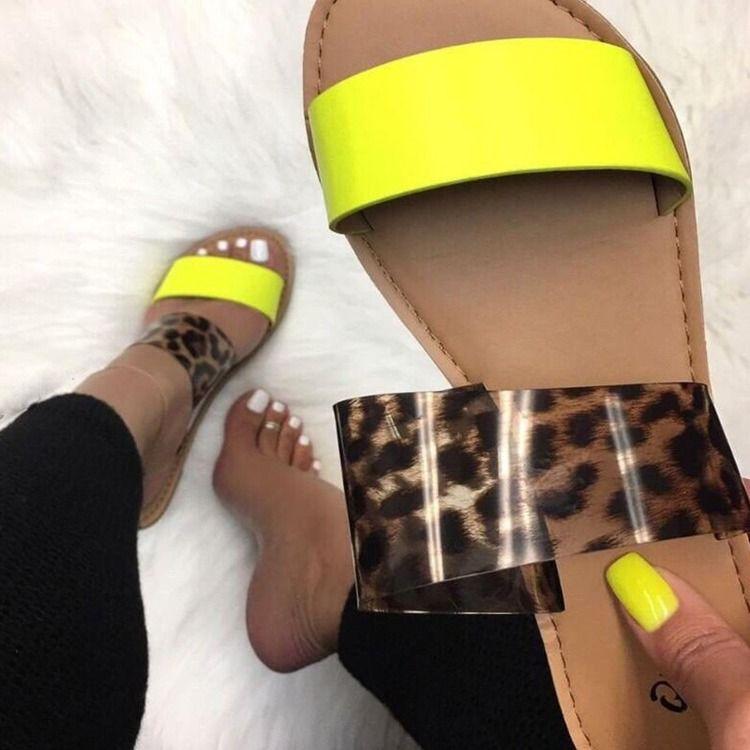 Frauen Flache Sandalen Damen-Frauen-Strand-Frauen Slides Designer Jelly Flip-Flops Mode Luxus-Bolzen-Schlangen-Haut-PU-Leder-Schuhe Klar Leopard