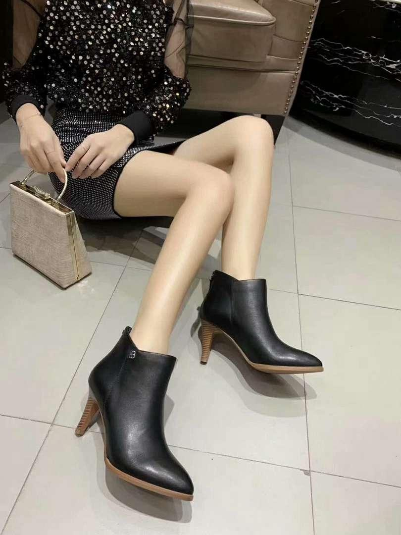 Exquisite2019 Sonbahar Ve Kış Yeni Moda Boots Gerçek Deri Ve 8 Cm Yüksek Topuklar Boots Mükemmel Kalite