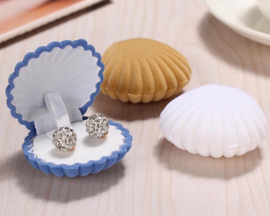 Forma braccialetto di Shell della collana di orecchini da sposa in velluto anello di fidanzamento di sicurezza per Lovely Jewelry Display Box regalo del supporto libera la nave