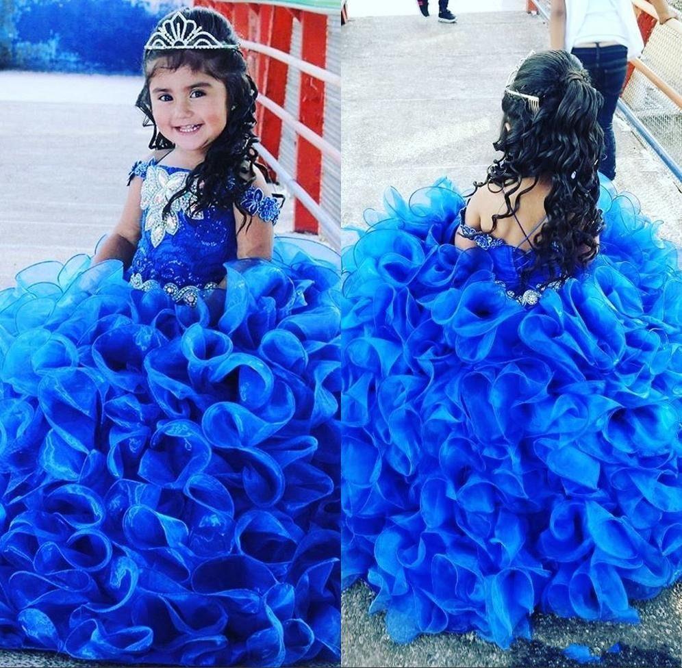 2020 Royal Blue Rüschen Prinzessin Ballkleid Litttle Mädchen-Festzug-Partei-Kleider weg von der Schulter wulstige Spitze nach oben zurück Blumenmädchenkleidern AL4238