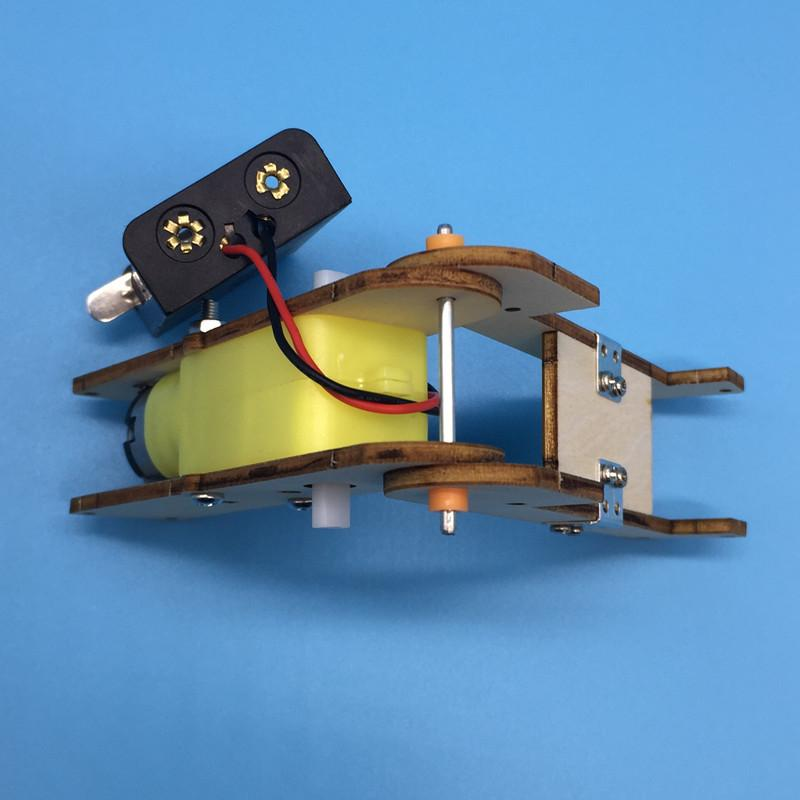 Робот-червь Студент Наука и техника Создание малых изобретений Научно-лабораторное оборудование Научно-популярное учебное пособие