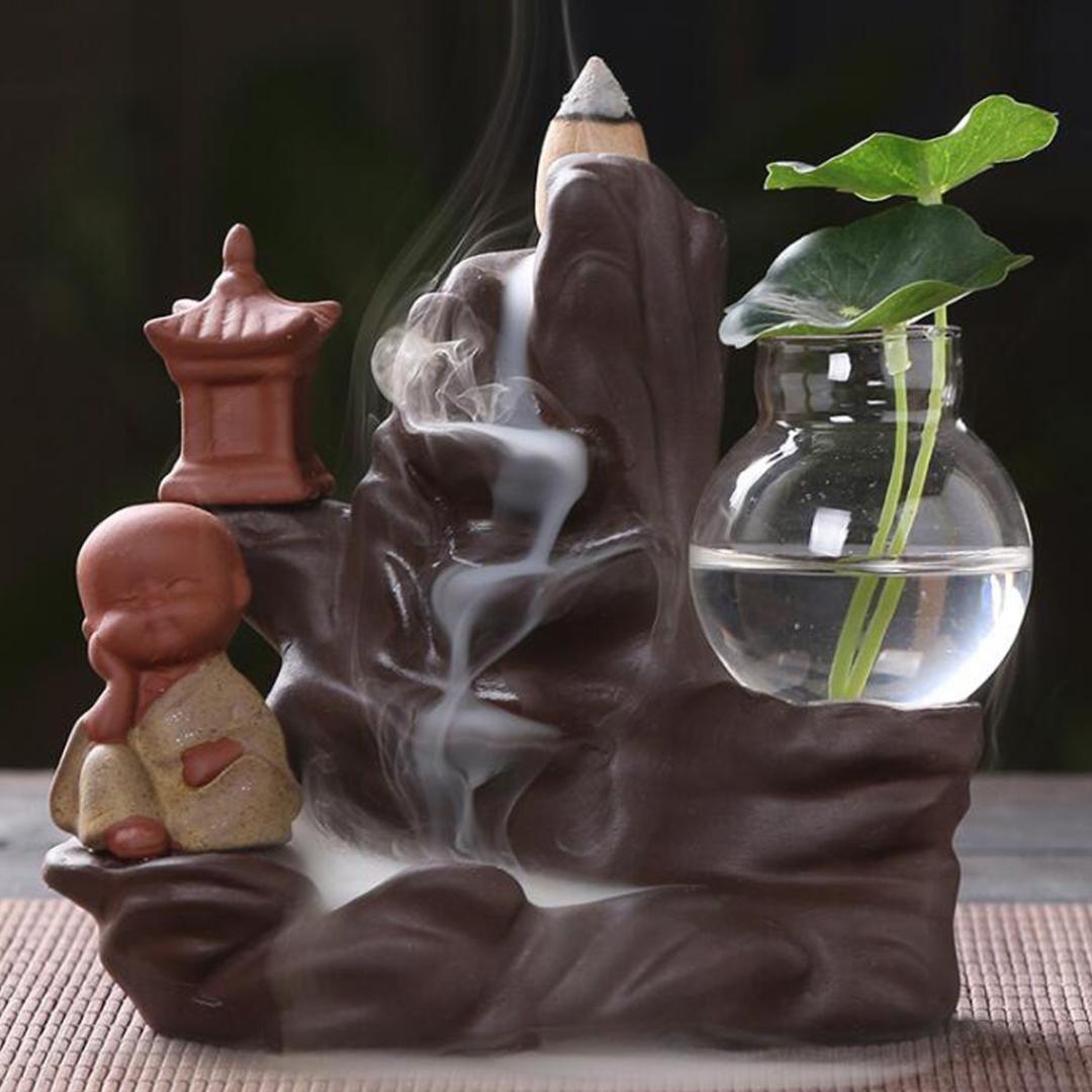 10 Koniler ile geri akış tütsü brülör Tutucu Seramik Küçük Monk Küçük Buda Şelale Sandal Ağacı censer Reklamlar Ev Dekorasyonu
