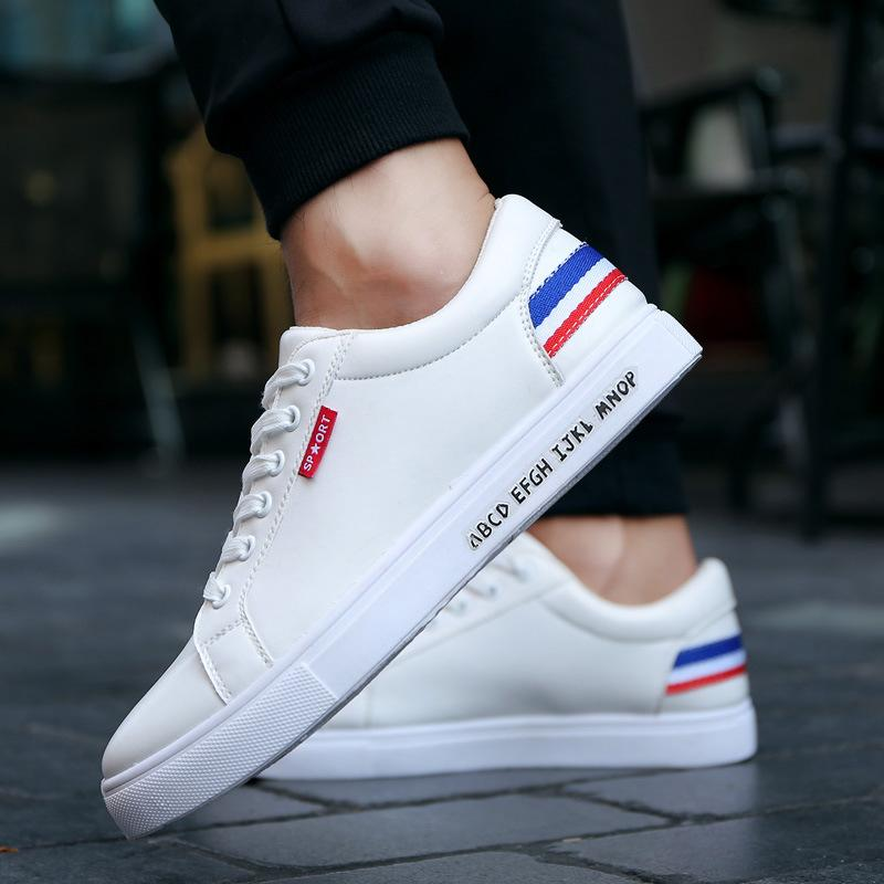 Männer vulkanisierte Schuhe Frühlings-Herbst-bequeme beiläufige Schuhe für Männer Slip-On Marke Mode-flache Müßiggänger Schuhe