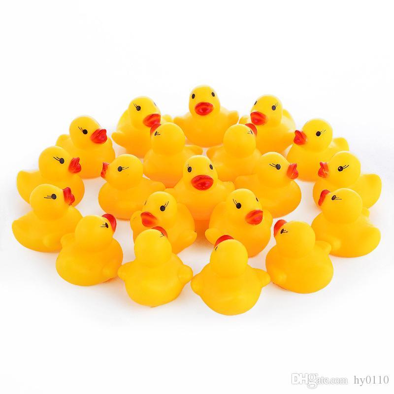 Wholesale borracha pato bebê banho brinquedos água divertimento banheira brinquedo flutuante patos espremer sons