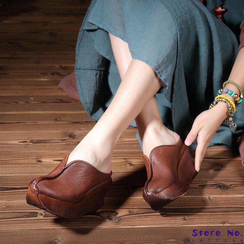 2020 yazında yeni kadın terlik, derin deri kalın çörek ve Baotou rahat ile rahat ayakkabılar.