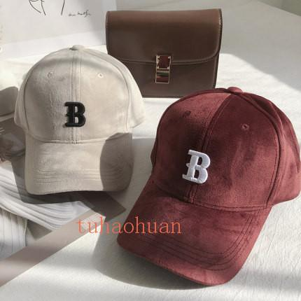 ины Стиль Мода B Письмо дизайн Hat весной и осенью новые вышивки Письмо Velvet бейсболке Повседневная Мужчины и Женщины Пары Cap