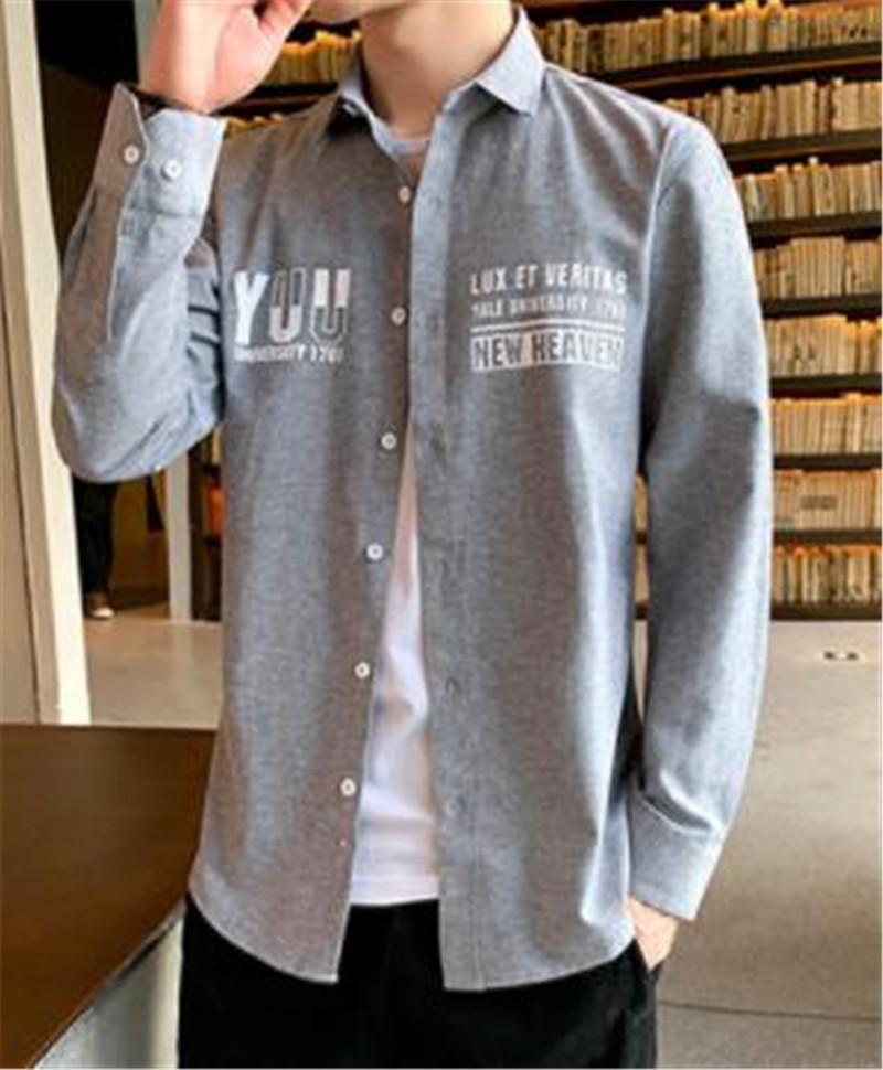 Einfach Men Shirt südkoreanischer Art Brief drucken Langarm Revers Neck Shirt Frühling Teenager dünne beiläufige Kleidung