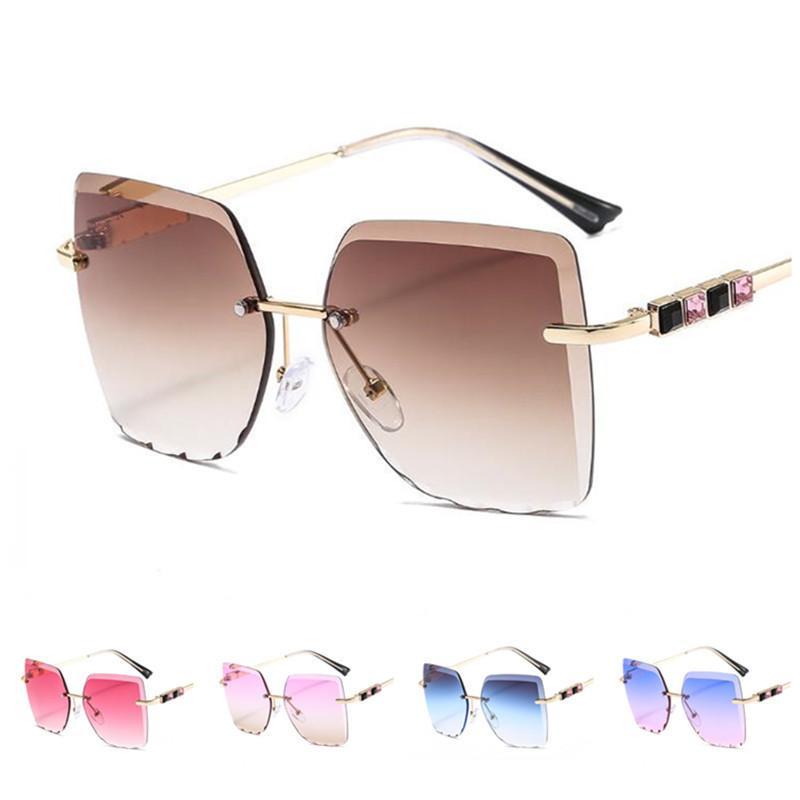 Sun Anti-UV Lunettes de soleil sans lanque Square Ornamental Fashion Fashion Couleur Spectacles Femmes Lunettes de diamante Lunettes de vue Glasse A ++ OLBQG