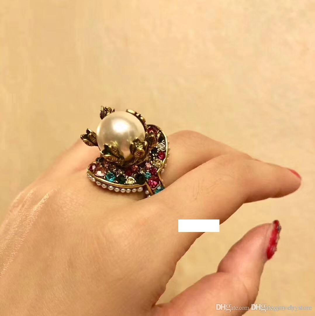2018 Vintage brass luxuriösen Ring mit der Natur bunte Perle verzieren und Stempel Logo Charme Ring Schmuck Weihnachtstag Danksagung valentin