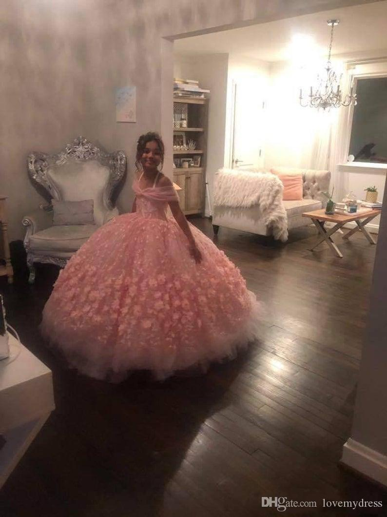 Lovely Hand Made Flowers Mini Quinceanera Dress Flower Girl Dresses 2020 Cold Shoulder Floral Lace Ball Gown Girls Pageant Dress Juniors