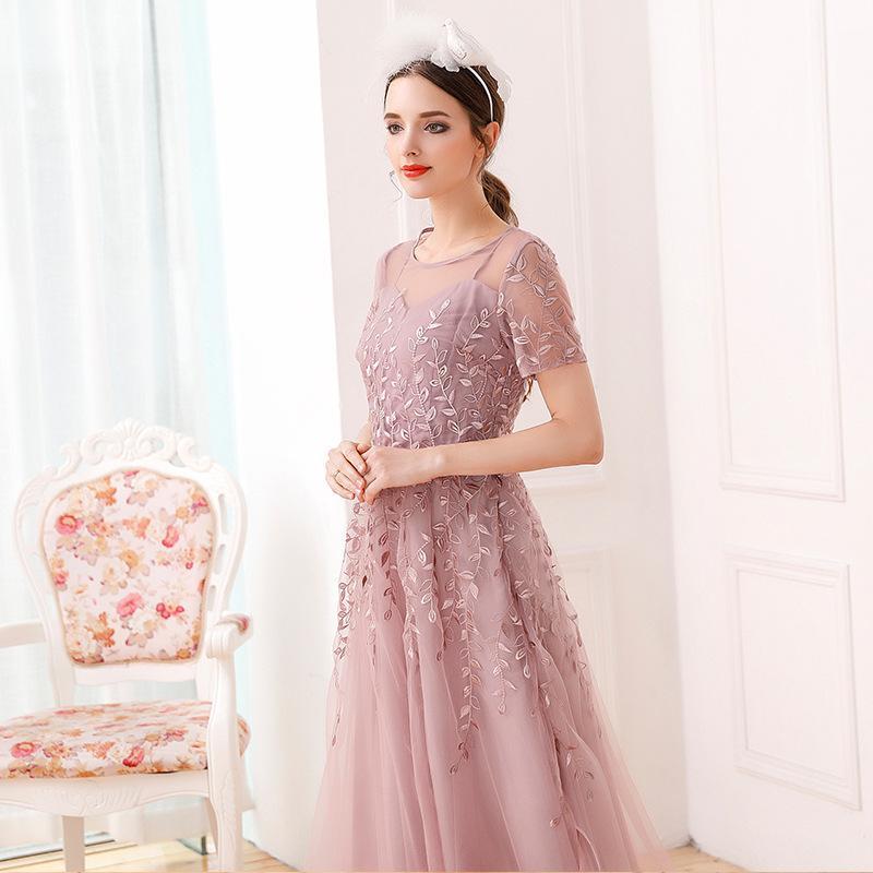 Estate vestito nuovo europeo e l'industria pesante ricamo marea di modo sottile altalena della vita delle donne americane maglia temperamento abito a maniche corte