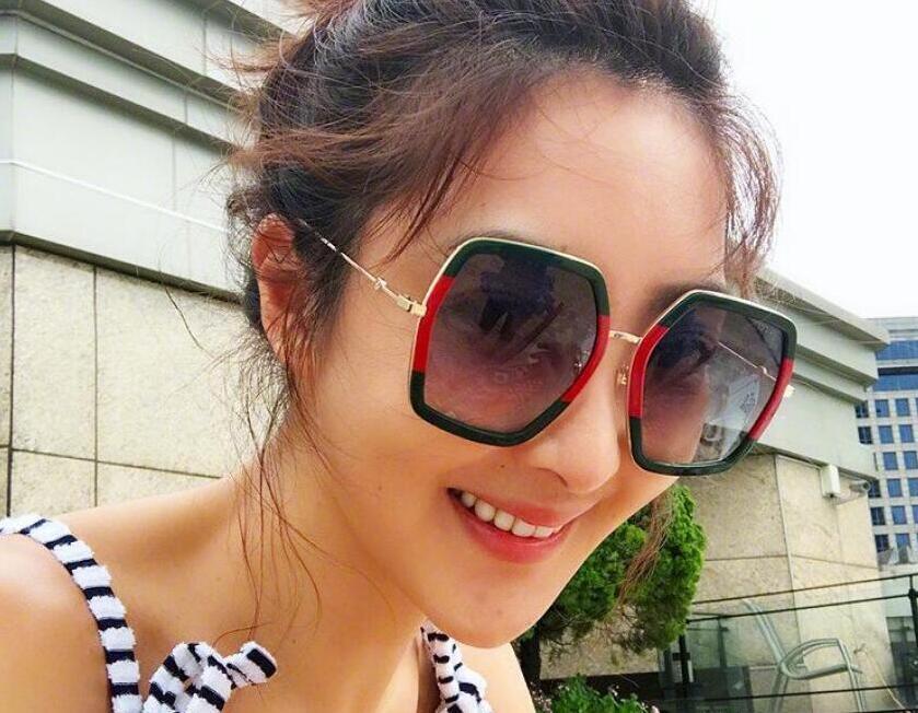 Nueva plaza Gafas de sol diseñador de las señoras de gran tamaño de cristal gafas de sol de las mujeres grandes del capítulo Espejo Gafas de sol Mujer UV400 0106S