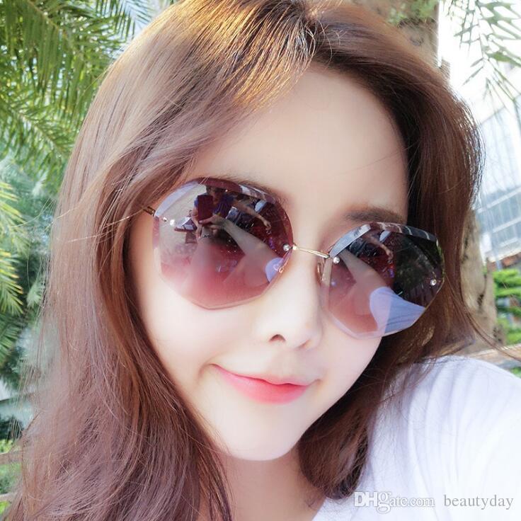 Luxury designer Sunglasses For Women Fashion Designer Sun Glass Oval Frame Coating Mirror UV400 Lens Carbon Fiber Legs Summer Style Eyewear