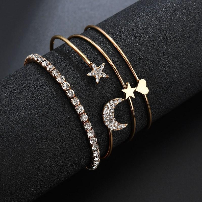 Exquisitos encantos Pulseras Conjuntos Cadena de oro punk Luna Estrella Corazón Cristalino Geométrico Conjunto de pulsera abierta Mujer Joyería de playa