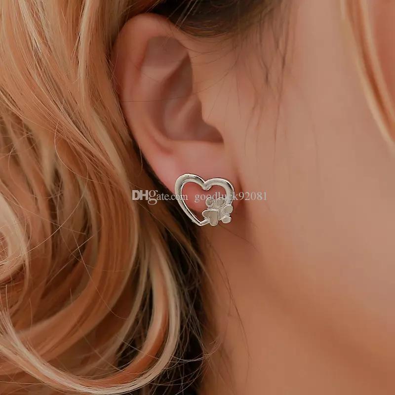 개 발 인쇄 귀걸이 여성을위한 할로우 러브 하트 스터드 귀걸이 골드 실버 금속 동물 애완 동물 눈이 내리는 크리스마스 크리스마스 쥬얼리 선물