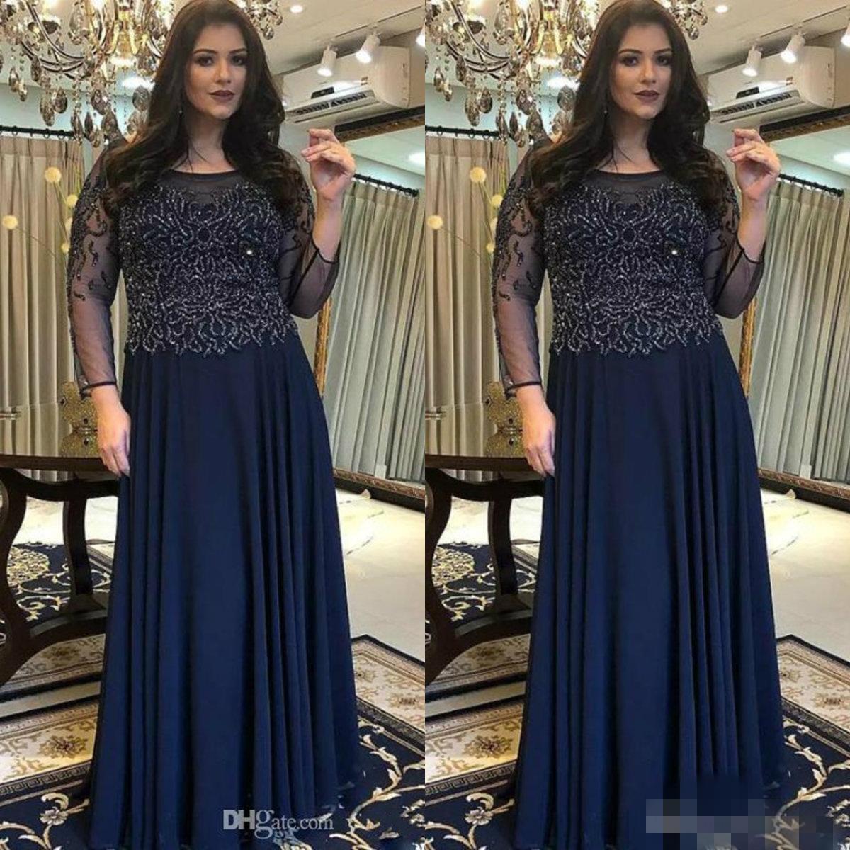 Navy Blue Plus Size Madre della Sposa Abiti a maniche lunghe collo della paletta di lunghezza del pavimento merletto in rilievo di Applique Invitato a un matrimonio partito abiti