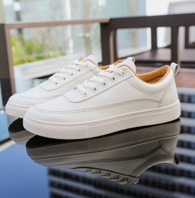 2019 sport autunno nuove piccole scarpe bianche per il tempo libero pattini dell'allievo degli uomini vendite dirette della fabbrica