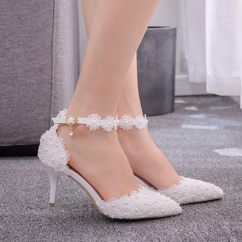 Mulheres Sandálias sapatos de casamento branco Lace Flor Pulseira de noiva sapatos dos pés salto fino Apontado sapatos de cetim fêmeas