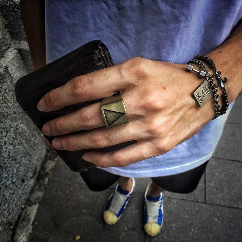 Geometrik Üçgen Paslanmaz Çelik Punk Rock Erkek Yüzük Vintage Gümüş Bronz Soğuk Parti Parmak Erkek Takı Kalın bijoux çaldırır