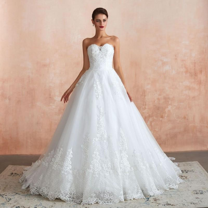 A Line Sweetheart Princess Wedding Dress Cheap Bridal Gowns Lace Appliqued Strapless Floor Length Wedding Gowns