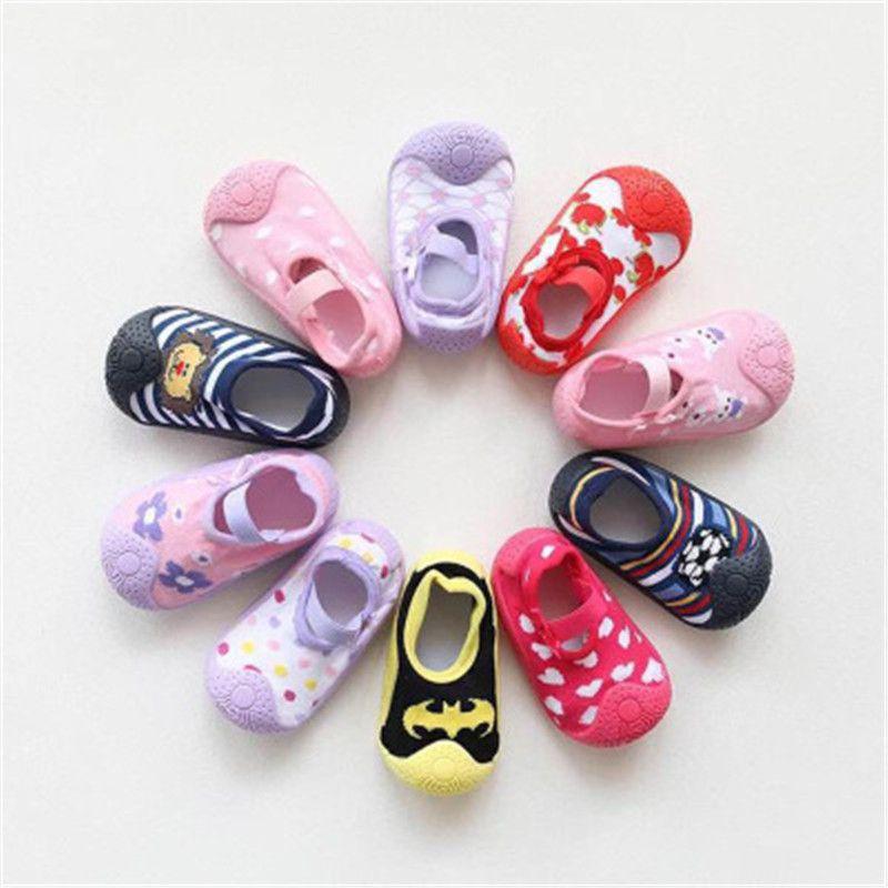 Unisex bebê Sneakers Primeira sapatos de bebê Caminhantes sapatos macios inferior antiderrapantes Piso Socks da menina da criança do menino Sapatinho infantil