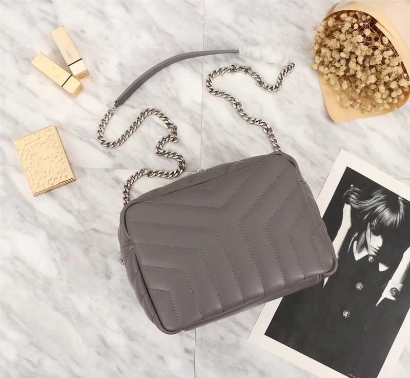 Yeni ürün dişi tasarımcı bayanlar Messenger klasik moda taşınabilir küçük kare çanta çanta omuz çantası 22 * 15 * 10cm