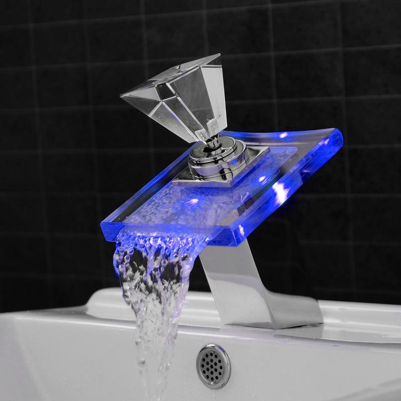 Стекло Водопад кран бассейна бортик бассейн Раковина смеситель LED Изменение цвет ванной батарея миксер хромированной отделки